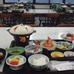 松川荘 食事 なべは「ホロホロ鳥」
