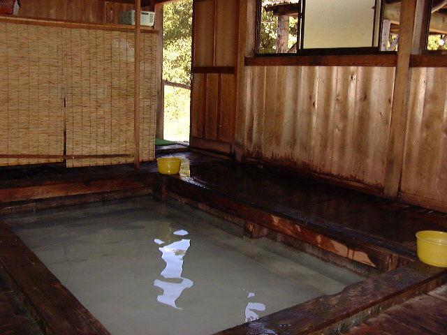 Vol.03「黒湯(乳頭温泉郷)」(秋田県田沢湖町:2001年以前)
