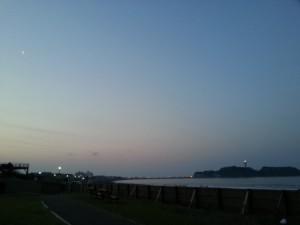 Vol.17「夜明けの海岸」<br />(神奈川県藤沢市)